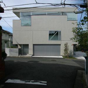 屋上に中庭がある住まい 「西大井の住宅」