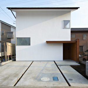 外壁 板張 木製玄関ドア