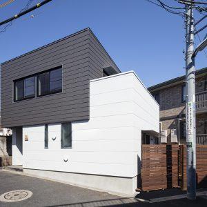 太田窪の家~土間とインナーバルコニーのある家