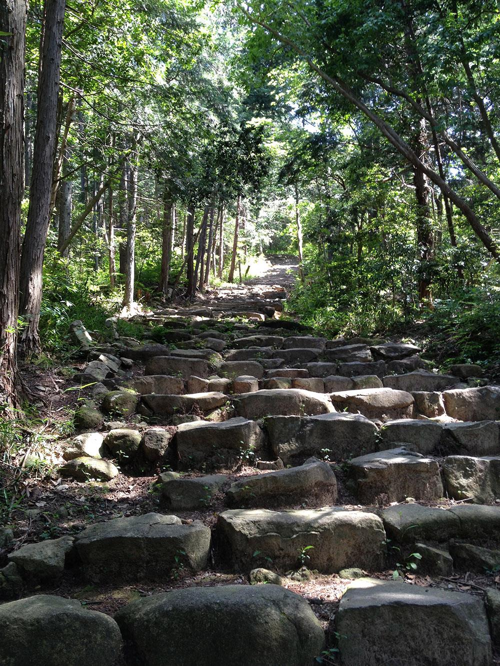 観音寺_あか坂の石段