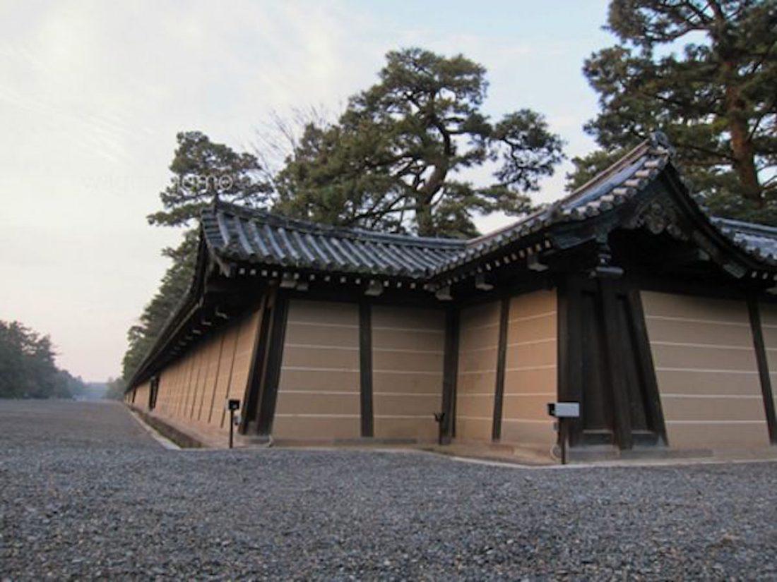 京都御所の築地塀