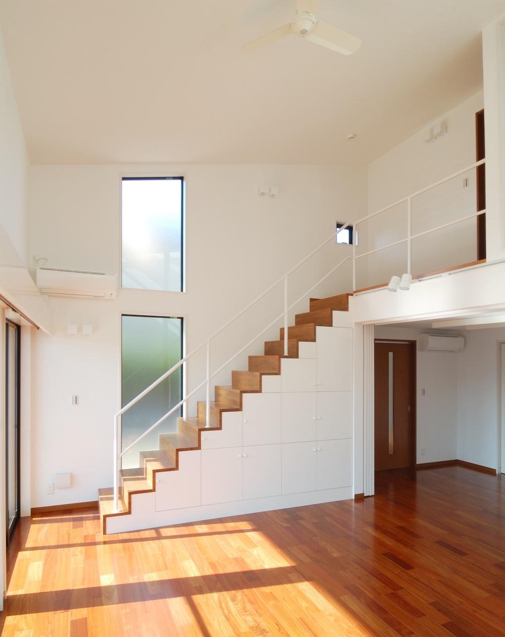 オープン階段リビング吹抜高天井注文住宅